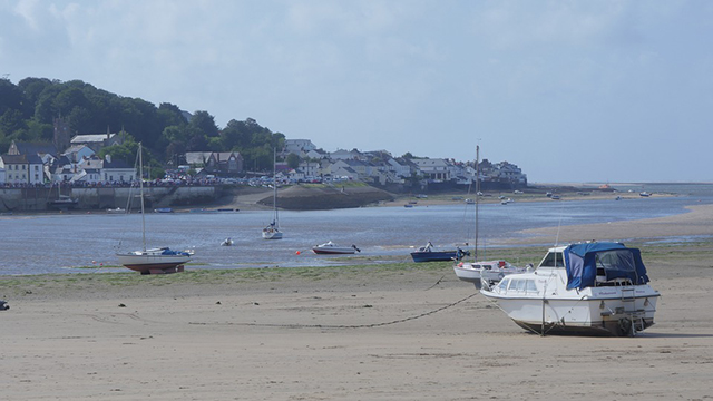 instow beach looking to appledore