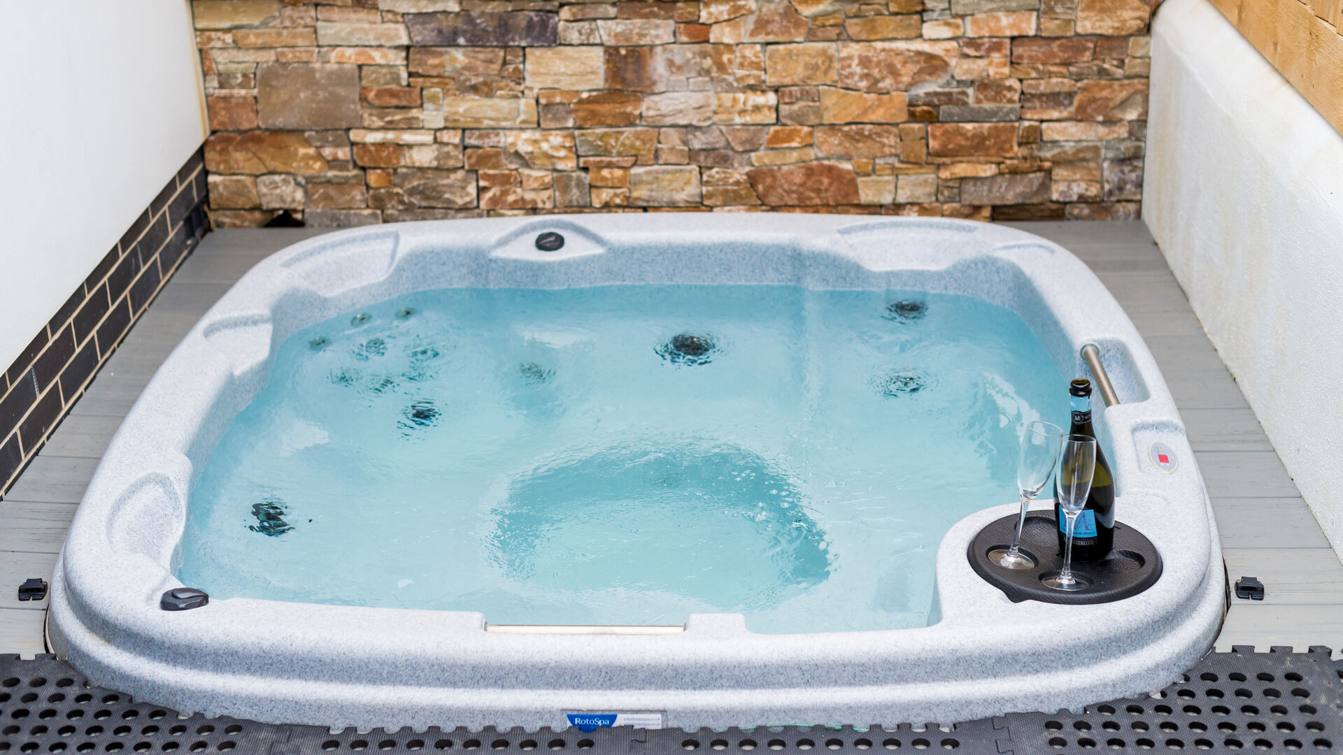 Static Caravans & Apartments with Hot Tubs at North Devon Holiday Park