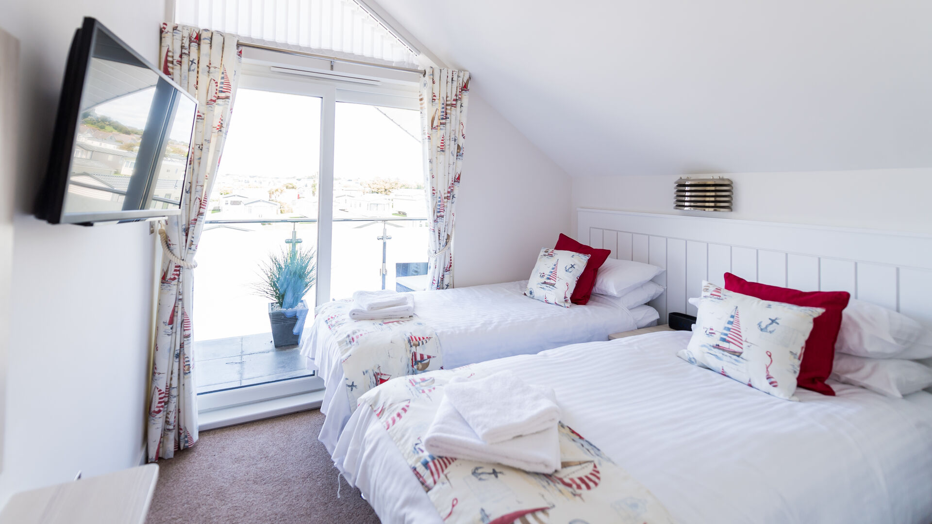 Beachcomber holiday apartment at surf bay holiday park